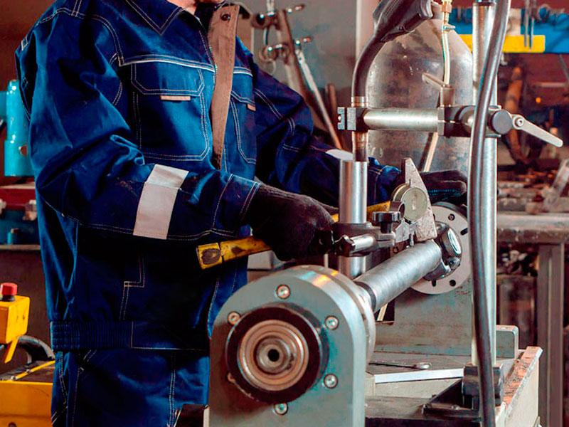Восстановление карданного вала: диагностика кардана на биение индикаторной стойкой